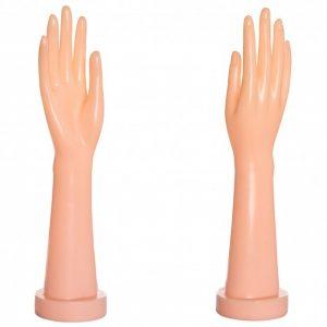 Рука женская под перчатки